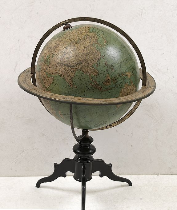 SCHOTTE, E., Terrestrial Globe constructed by Th. Mettke., antique map, old maps