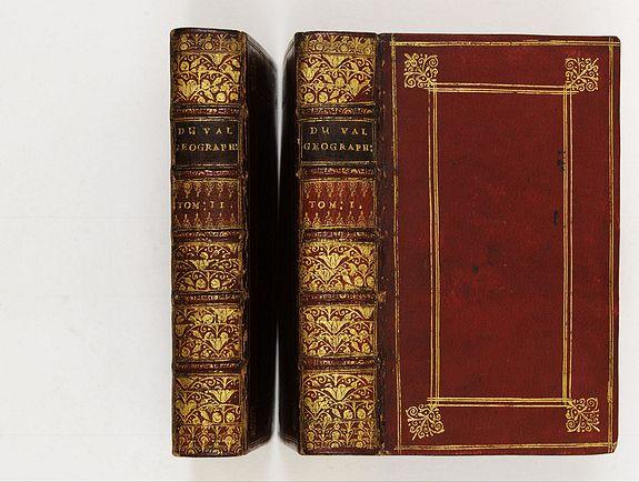 DUVAL, P. -  La Géographie Universelle contenant. Les Descriptions, les cartes, et le Blason, des principaux Païs du Monde.